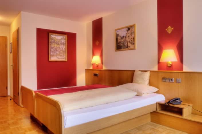 Murten Sigw. 9402 4 6 705x468 - 林登霍夫酒店的房间