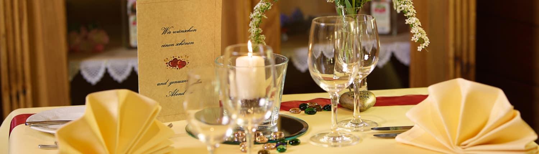 lindenhof gastraum menue 1500x430 - Restaurant Lindenhof - Unsere Gaststuben