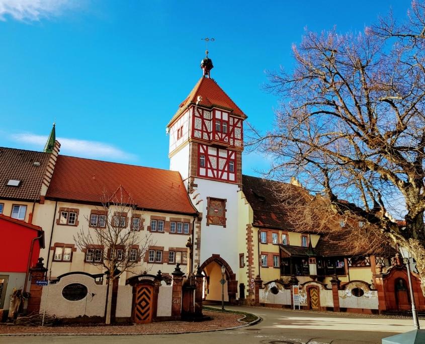 stadttor braeunlingen im schwarzwald 845x684 - Herbst im Schwarzwald