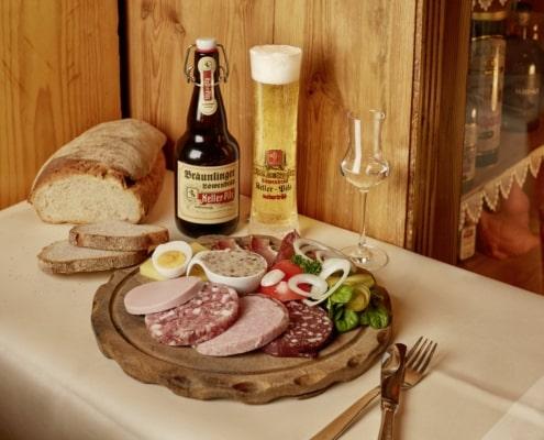 vesper mit lokalen produkten 495x400 - Restaurant Lindenhof in Bräunlingen bei Donaueschingen