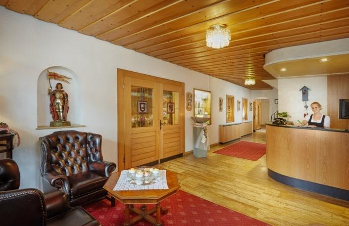 hotel lobby lindenhof braeunlingen 705x457 - 照片