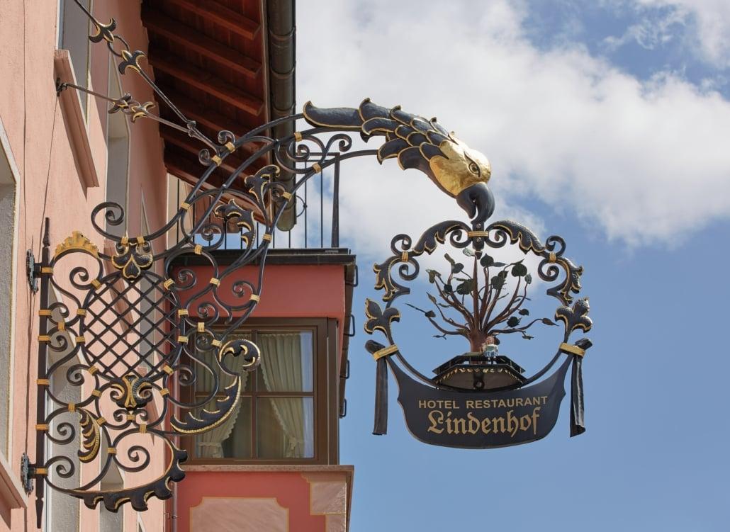 Hotel Lindenhof - Schild - FAQ