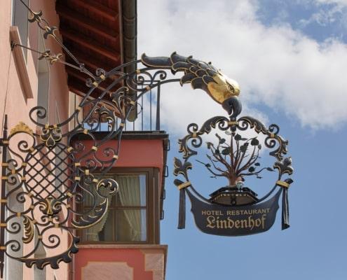 schild hotel lindenhof donaueschingen 495x400 - FAQ - häufige Fragen und Antworten